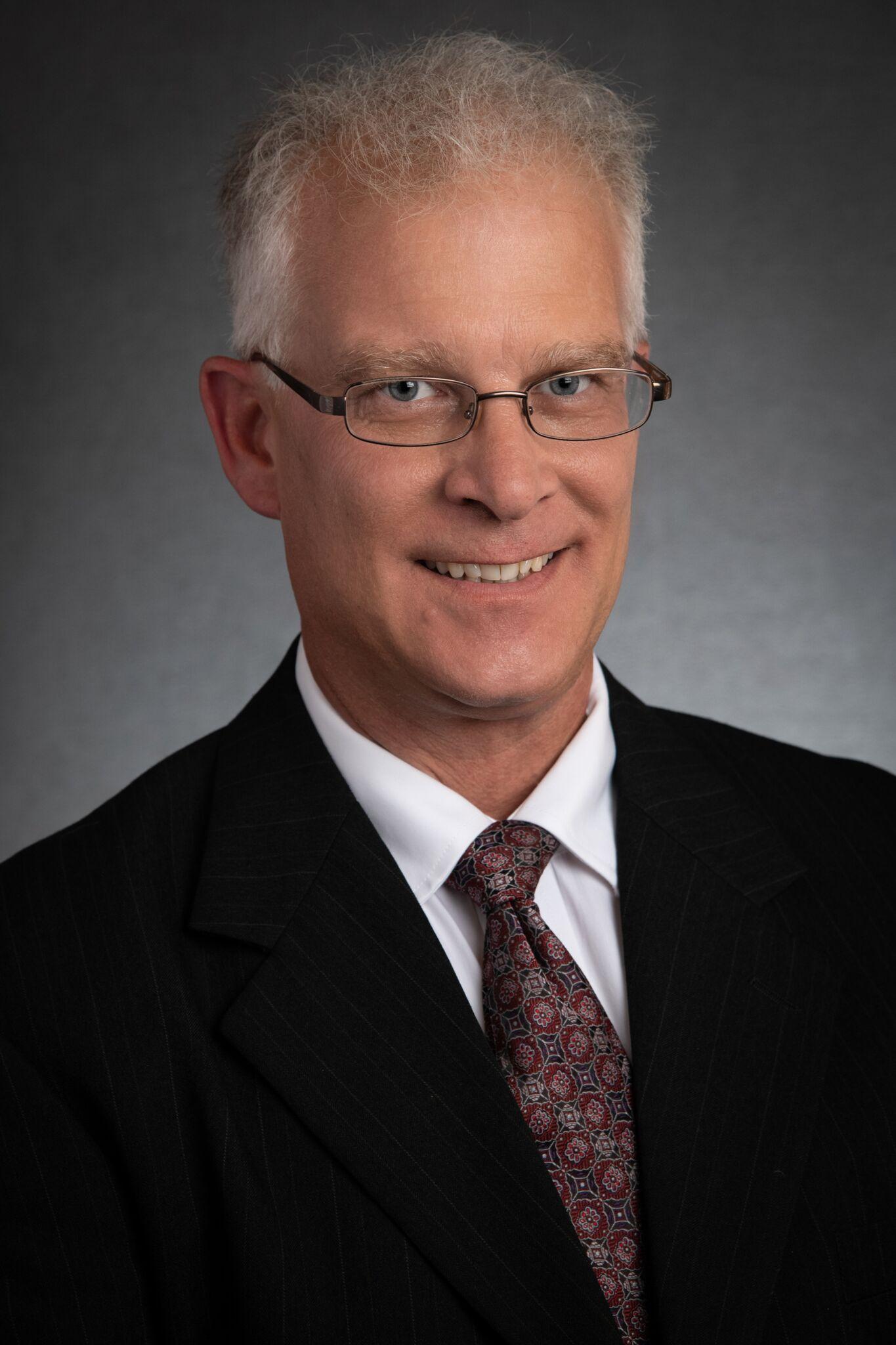 Justin Lateer : Funeral Director